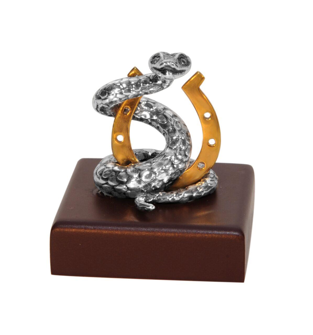Серебряный сувенир Змея
